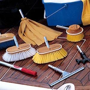 Como limpiar y mantener limpio un barco